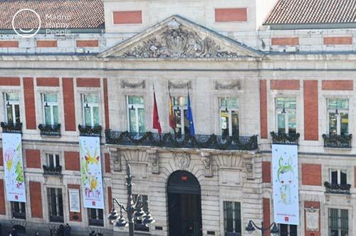 Real Casa De Correos Y Sus Campanadas Madrid Happy People