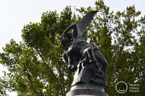 ángel caído parque del retiro