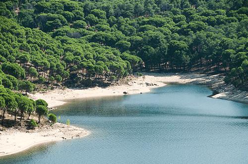 piscinas naturales madrid pantano de san juan playa madrid