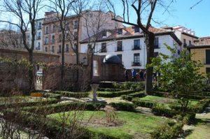 Jardin-de-la-plaza-de-la-paja-3