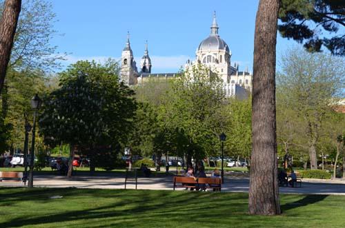 Parque Atenas Buenas Vistas Y Terraza De Copas Madrid