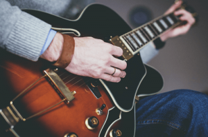 clases de guitarra fender